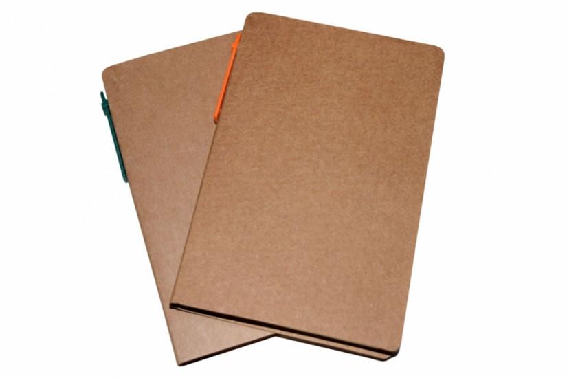 Foto de Bloco de anotações com caneta ecológico